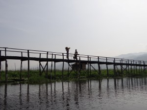 Inle-Inlay-Lake-Bridge