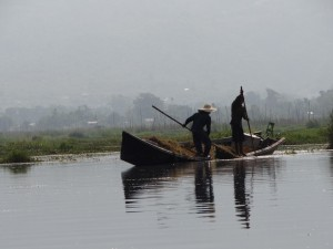 Inle-Inlay-Lake-Local-Boat