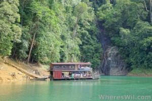Tasik-Kenyir-House-Boat