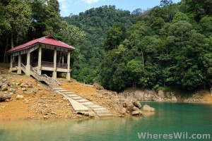 Tasik-Kenyir-House-Boat-Building