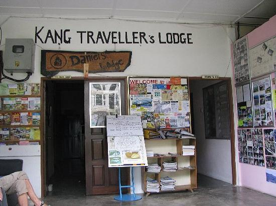 entrance-to-the-lodge